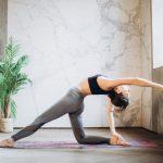 Pantalon de yoga femmes fluide : Comment les porter et pourquoi vous en avez besoin
