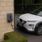 Qui peut installer une borne de recharge pour voiture électrique ?